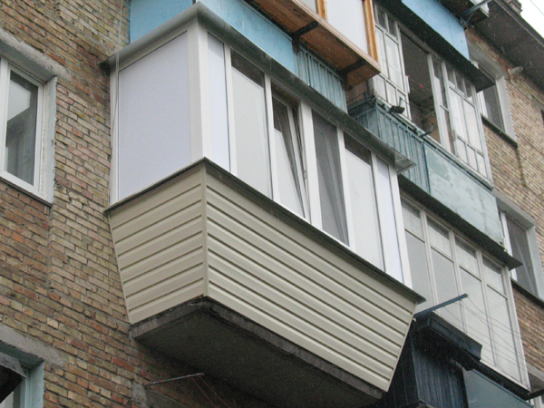 Ремонт на балконе,тонкости ремонта и остекления.-окна буд, п.
